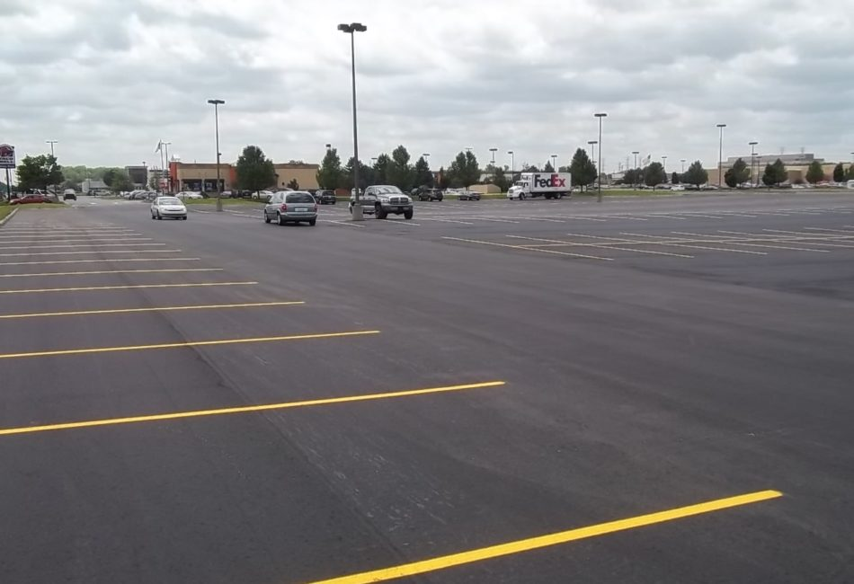 Shopping Center Pavement Services