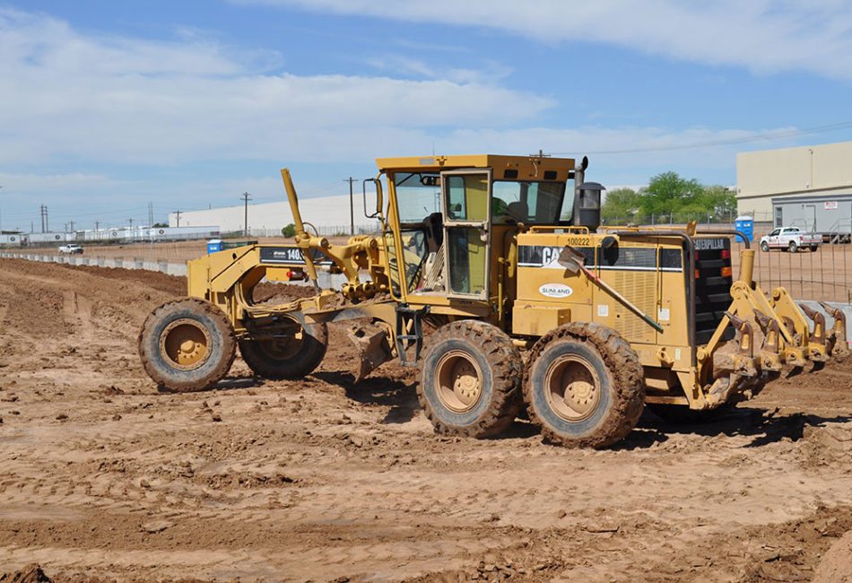 Sunland Asphalt performing excavation and grading for R&L Carriers
